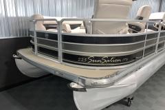 Bow Swim Deck of a 2010 Premier 225 Sunsation LTD RF Pontoon Boat