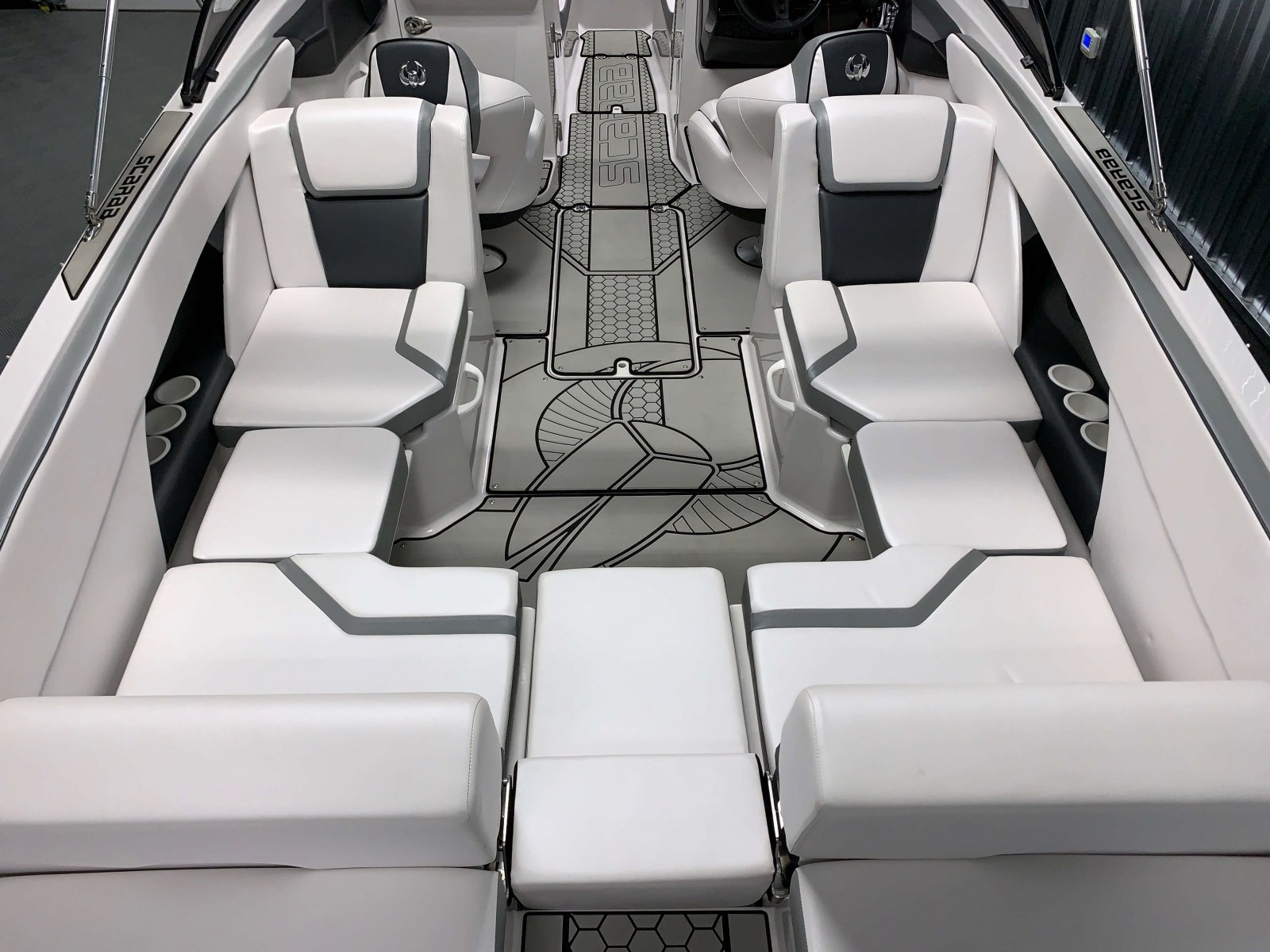 Adaptive Cockpit Seating of a 2018 Scarab Jet 255 G Jet Boat