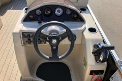2019-Sylvan-8522-CLZ-Pontoon-Boat-Dash