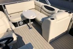 2019-Sylvan-8522-CLZ-Pontoon-Boat-Seating-1