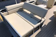 2019-Sylvan-8522-CLZ-Pontoon-Boat-Swingback-2