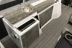 2019-Sylvan-S3-Cruise-Tritoon-Galley-Washing-Station-4
