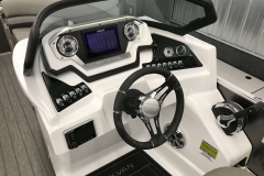 2019-Sylvan-S3-Cruise-Tritoon-Helm-And-Dash-2