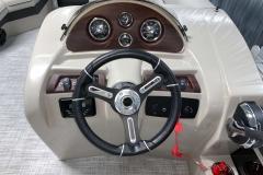 2020-Berkshire-20CL-LE-Pontoon-Drivers-Console-3
