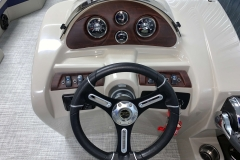 2020-Berkshire-22CL-LE-Pontoon-Boat-Dash-And-Helm-2