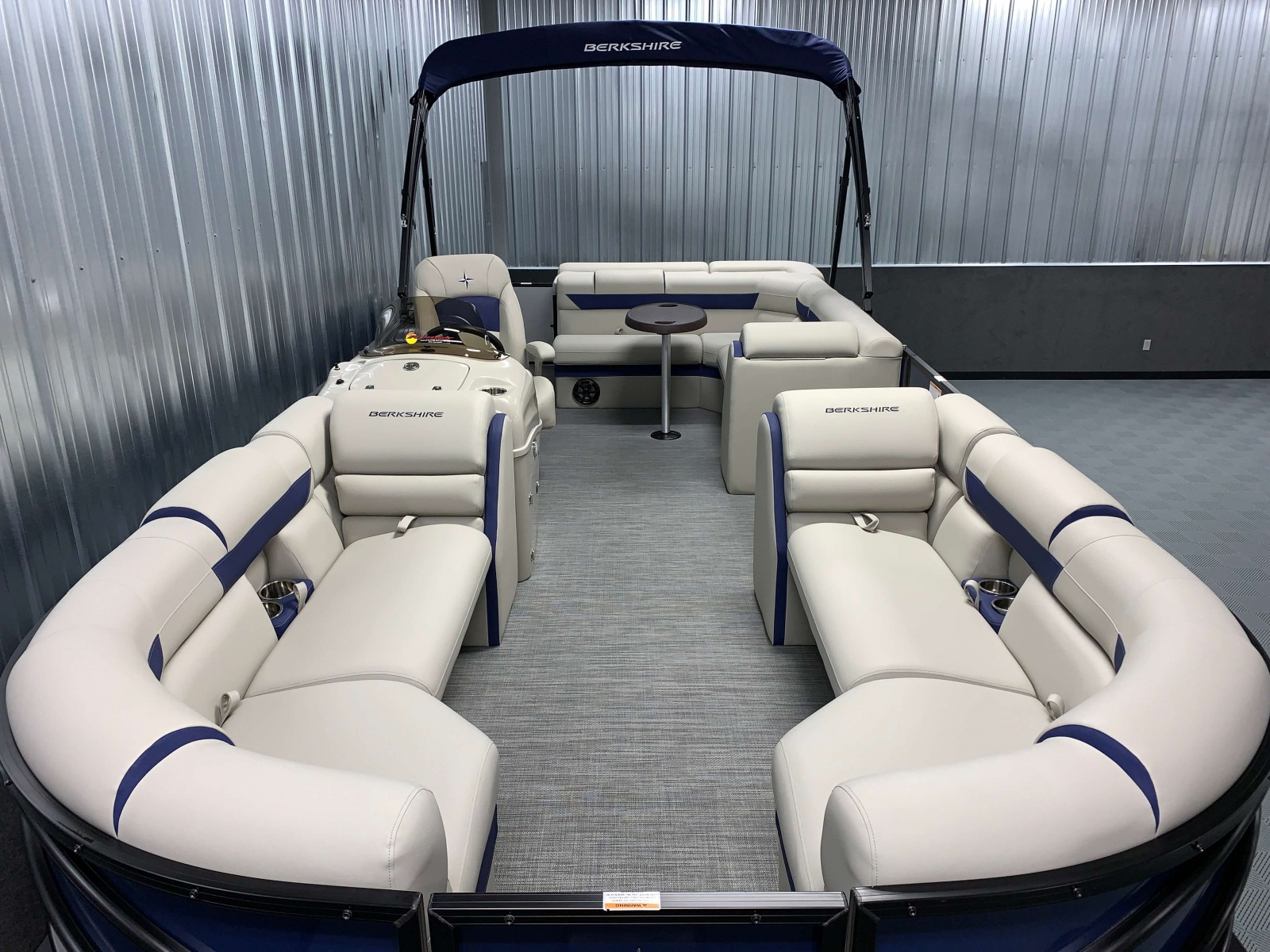 2020-Berkshire-23CL-STS-Tritoon-Boat-Interior-Seating-Layout-1