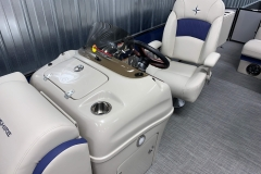 2020-Berkshire-23CL-STS-Tritoon-Boat-Captains-Chair-And-Helm