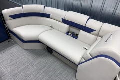 2020-Berkshire-23CL-STS-Tritoon-Boat-Interior-Seating-Layout-6