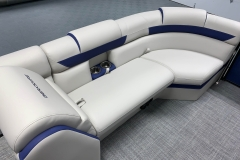 2020-Berkshire-23CL-STS-Tritoon-Boat-Interior-Seating-Layout-7