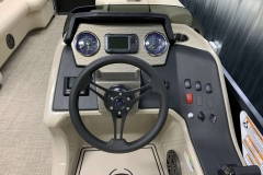 2020-Premier-220-Sunsation-RE-Pontoon-Drivers-Console-2