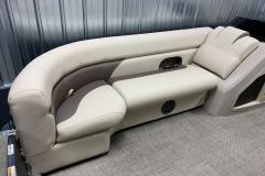 2020-Premier-220-Sunsation-RE-Pontoon-Interior-Seating-1