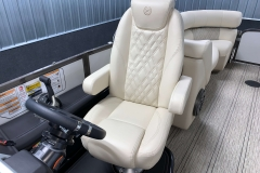 2020-Premier-250-Grand-Majestic-RF-Tritoon-Captains-Helm-Chair