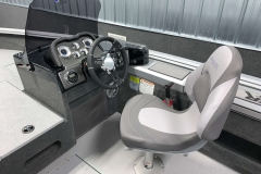 2020-Smoker-Craft-161-Pro-Angler-XL-Captains-Chair-And-Helm-And-Dash