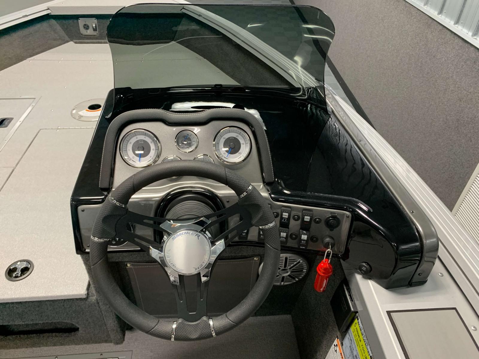 2020-Smoker-Craft-161-Pro-Angler-XL-Helm-And-Dash-2