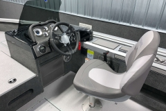 2020-Smoker-Craft-161-Pro-Angler-XL-Captains-Chair-And-Helm