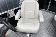 2020-Sylvan-Mirage-820-Cruise-Pontoon-Captains-Chair