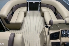 Interior Layout of a 2021 Sylvan Mirage 820 Cruise Pontoon 2