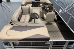 Interior Layout of a 2020 Sylvan Mirage 820 Cruise Pontoon 4