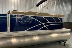 2020-Sylvan-Mirage-820-Cruise-Pontoon-Blue-5