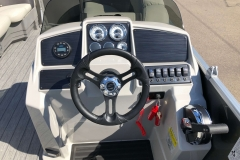 Drivers Console of a 2021 Sylvan Mirage 820 Cruise Pontoon 1
