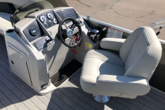 Helm and Captain's Chair of a 2021 Sylvan Mirage 820 Cruise Pontoon 1