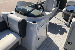 Helm and Captain's Chair of a 2020 Sylvan Mirage 820 Cruise Pontoon 2