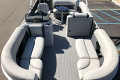 Interior Layout of a 2020 Sylvan Mirage 820 Cruise Pontoon 1