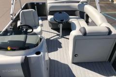 Interior Layout of a 2020 Sylvan Mirage 820 Cruise Pontoon 3