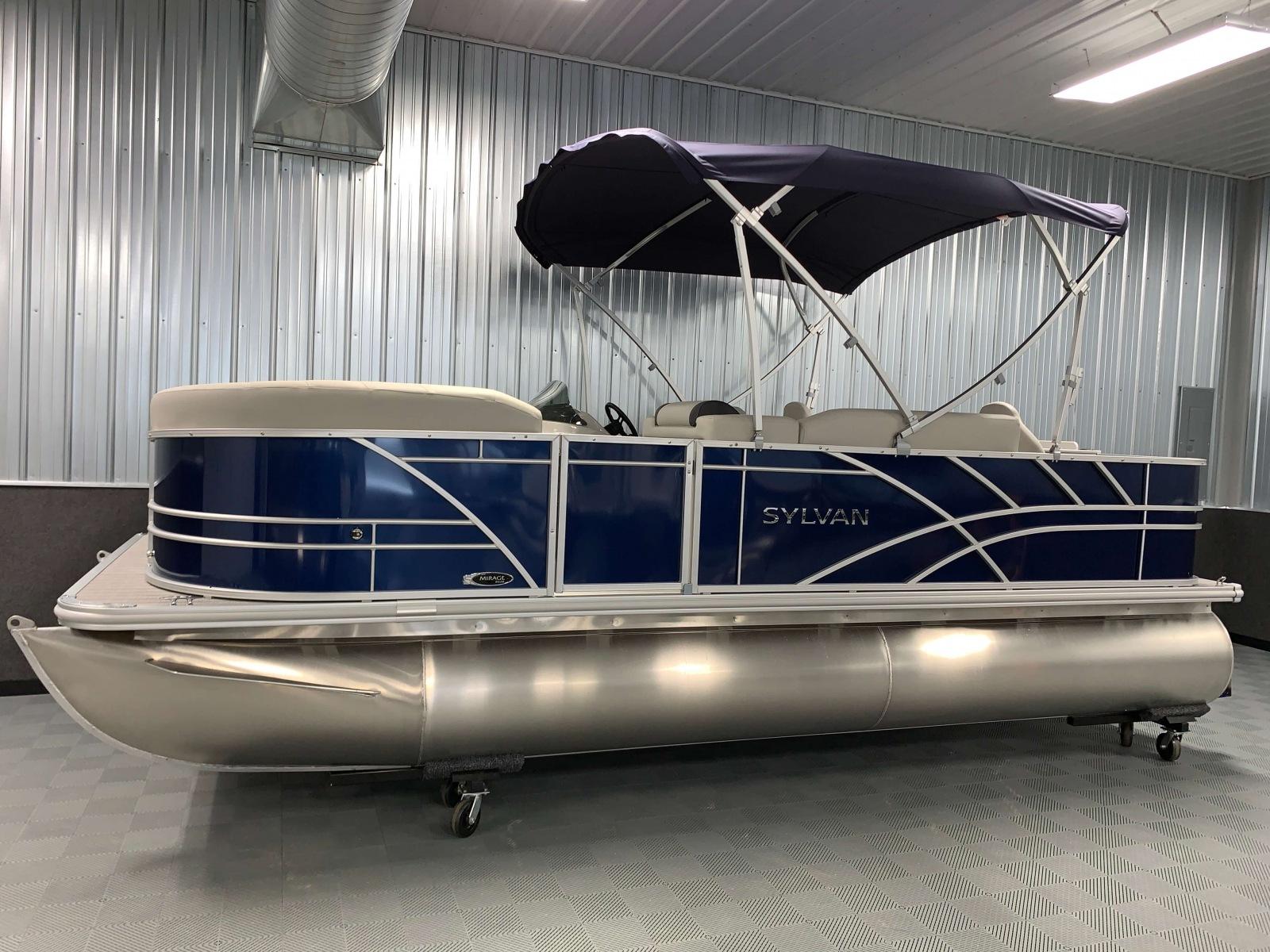 D-Rail Panels of a 2021 Sylvan 8520 Party Fish Pontoon Boat