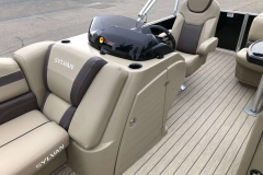 Helm and Captain's Chair of a 2020 Sylvan L1 Cruise Pontoon 2