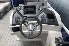 Drivers Console of a 2020 Sylvan L1 Cruise Pontoon 2