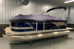 Blue Canvas Cover of a 2020 Sylvan L1 Cruise Pontoon