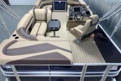 Interior Layout of a 2020 Sylvan L1 Cruise Pontoon