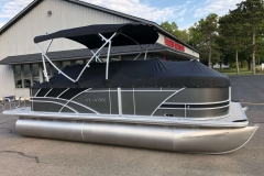 Black Playpen Cover of a 2020 Sylvan L1 Cruise Pontoon