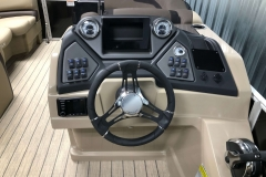 Drivers Console of a 2020 Sylvan L1 LZ Pontoon