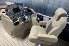 Helm and Captain's Chair of a 2020 Sylvan L1 LZ Pontoon 1