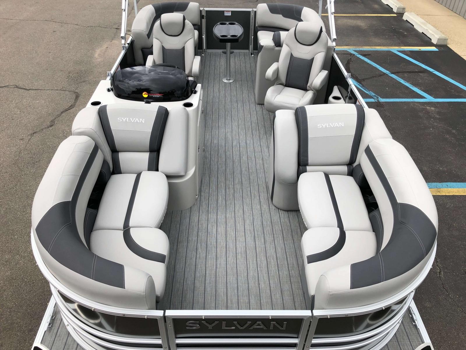 Interior Layout of a 2020 Sylvan L1 LZ Pontoon 1