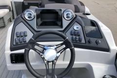 Drivers Console of a 2020 Sylvan L1 LZ Pontoon 2