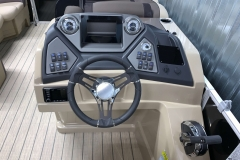Driver's Console of a 2020 Sylvan L1 LZ Tritoon