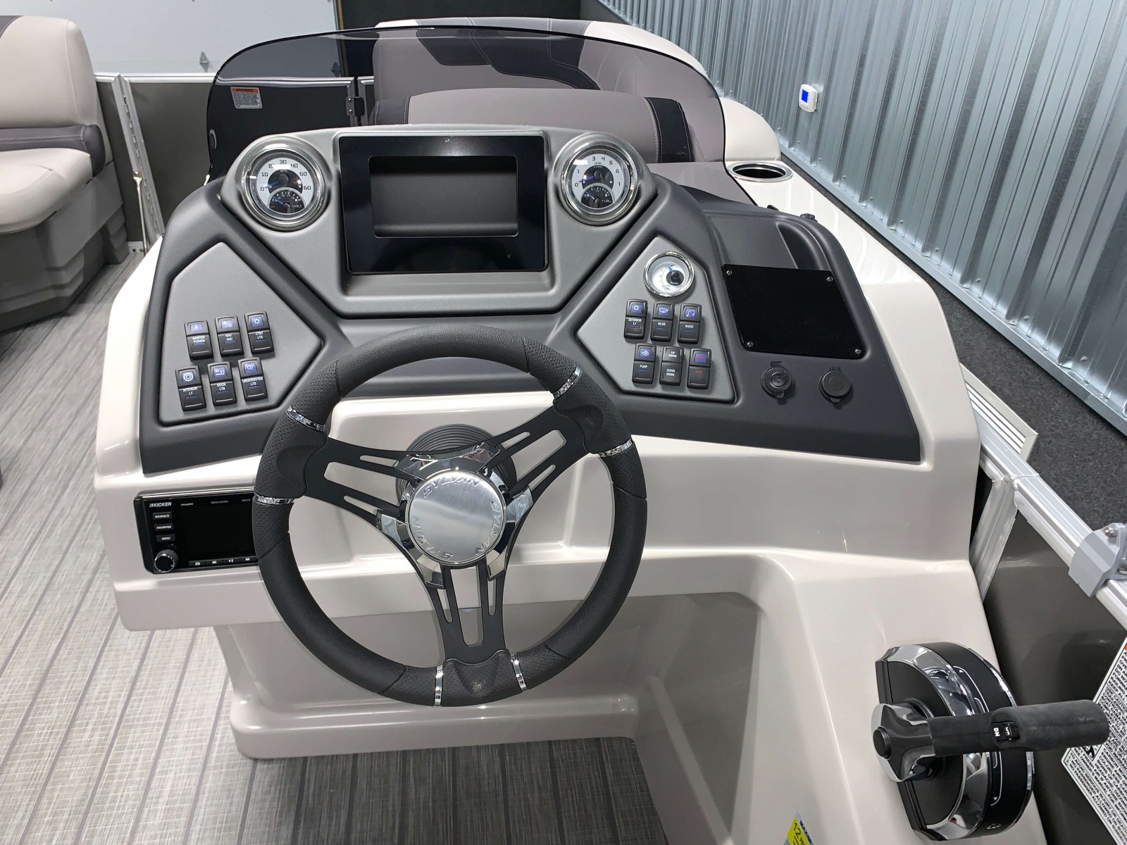 Drivers Console of a 2020 Sylvan L1 LZ Tritoon 1