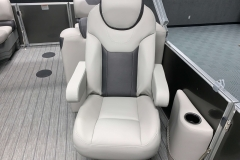 High Back Co-Captain's Chair of a 2020 Sylvan L1 LZ Tritoon