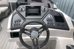 Drivers Console of a 2020 Sylvan L1 LZ Tritoon 2
