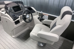 Helm and Captain's Chair of a 2020 Sylvan L1 LZ Tritoon 1