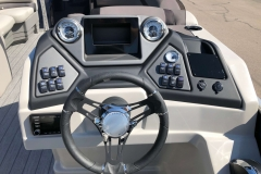 Drivers Console of a 2020 Sylvan L3 Cruise Pontoon 2