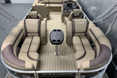 Interior Layout of a 2020 Sylvan L3 Cruise Pontoon
