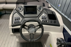 Drivers Console of a 2020 Sylvan L3 LZ Pontoon 1