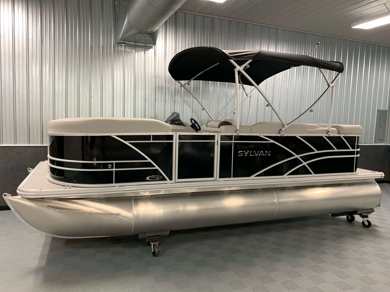 2020-Sylvan-Mirage-8520-Cruise-Black-Pontoon-Boat-4