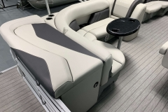 2020-Sylvan-Mirage-8520-Cruise-Pontoon-Boat-Interior-Seating-1