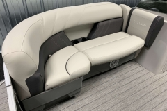 2020-Sylvan-Mirage-8520-Cruise-Pontoon-Boat-Interior-Seating-4