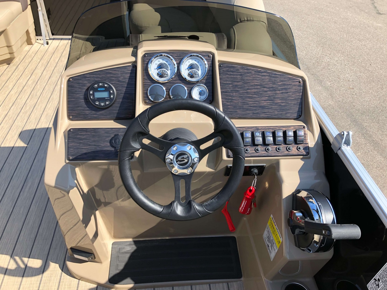 Drivers Console of a 2021 Sylvan 8520 Cruise Pontoon